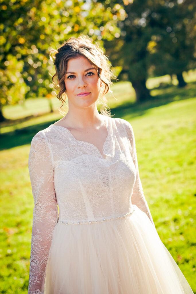 Stunning bride in Richmond Park